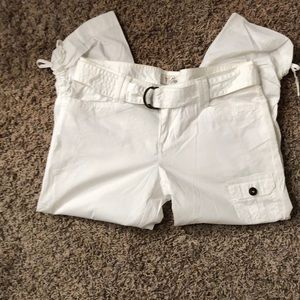 🆕 Guess White Belted Capri Size 28